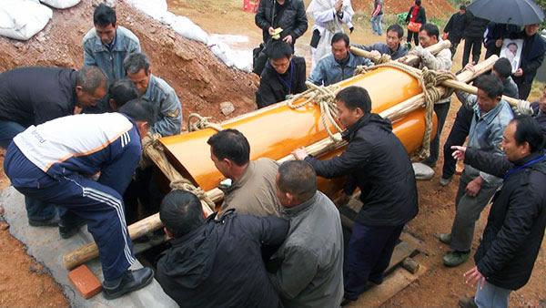 (港澳台)棺葬落葬现场